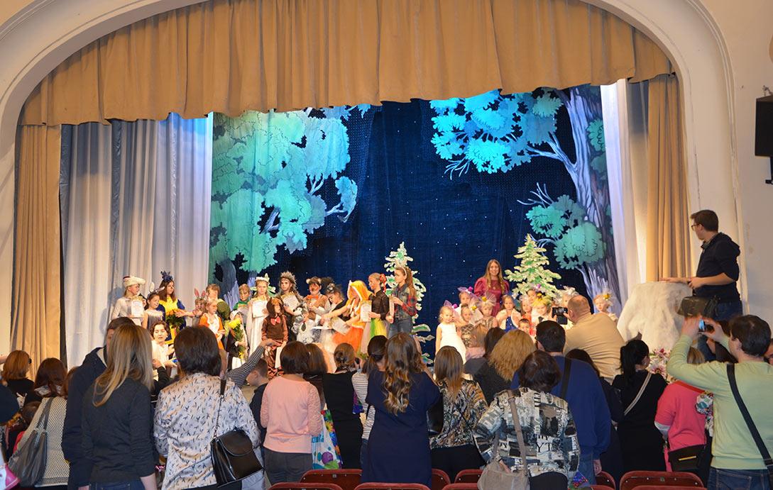 На сцене Центра культуры и искусств им. Л.Н. Кекушева прошёл дебютный концерт юных участников Музыкально-драматического театра
