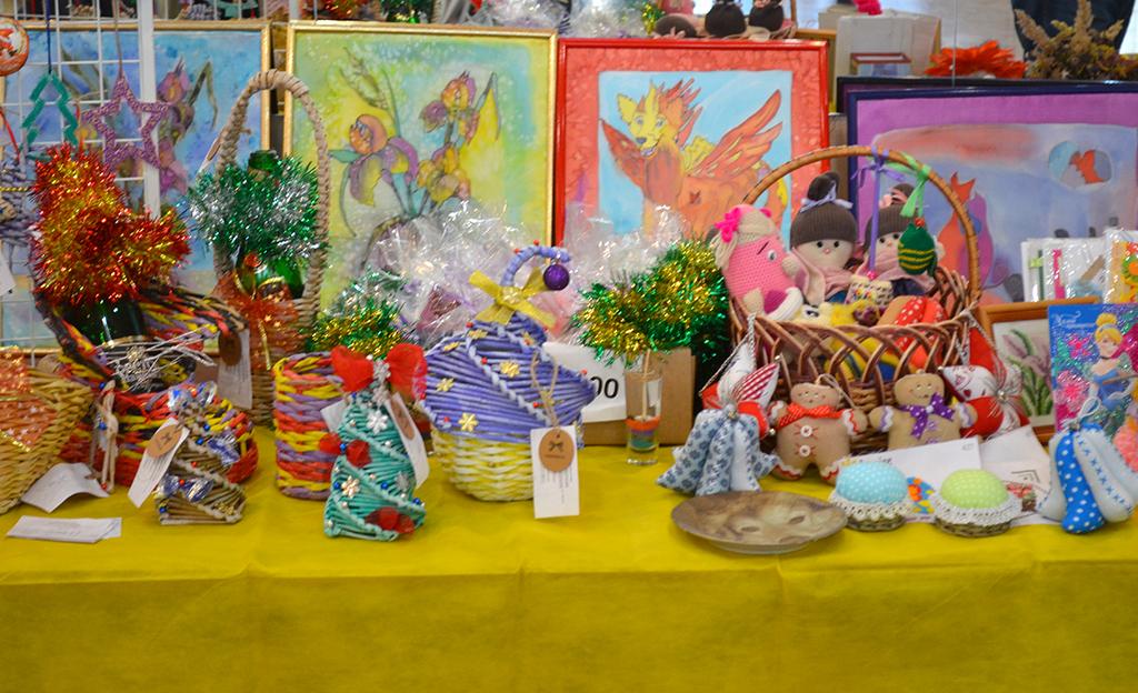 В Центре культуры и искусств им. Л.Н. Кекушева — ДК «Юбилейный» прошла Новогодняя благотворительная ярмарка «Доброе сердце»