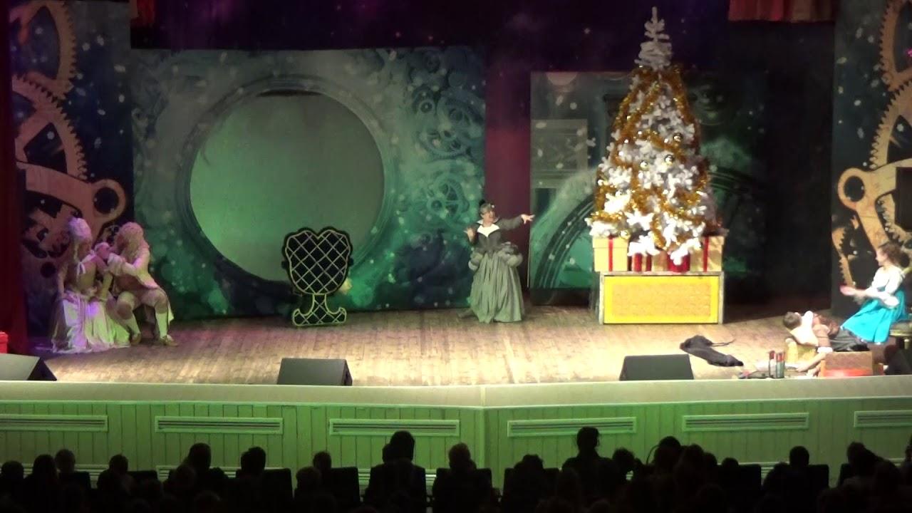 Московский областной театр юного зрителя представил для юных жителей Ивантеевки спектакль по мотивам известной сказки «Щелкунчик»