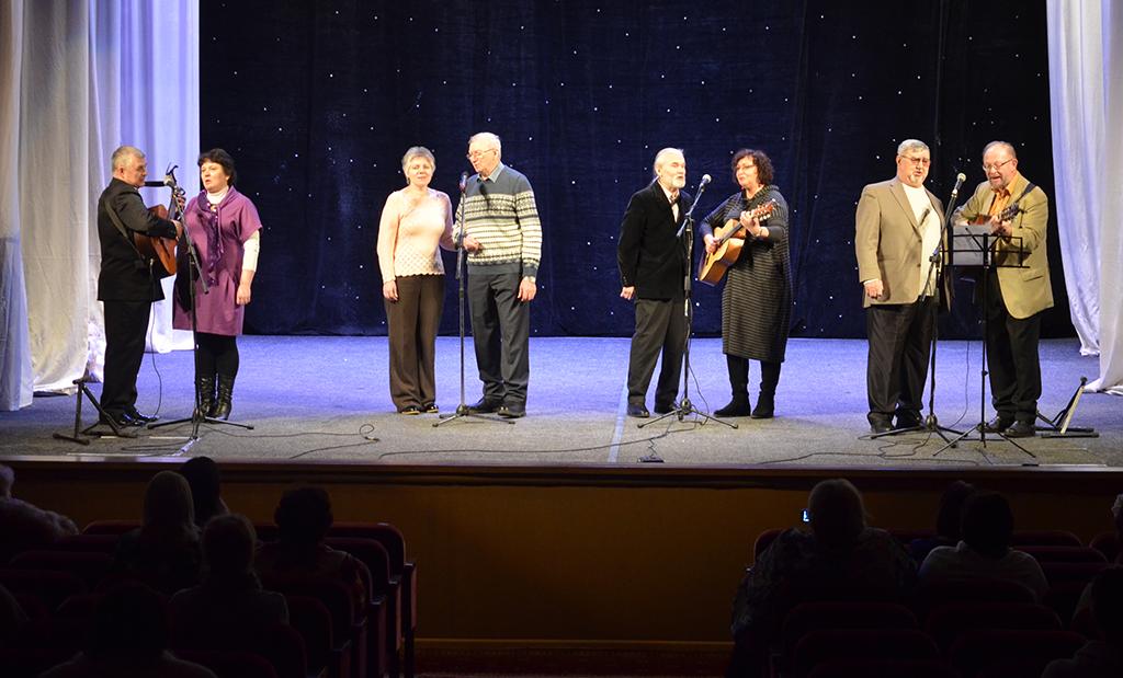 В ЦКиИ им. Л.Н. Кекушева прошел праздничный новогодний концерт клуба авторской песни «Гриль-бард»
