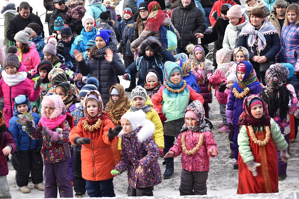 В минувшие выходные дни в Ивантеевке праздновали Масленицу и провожали Зиму