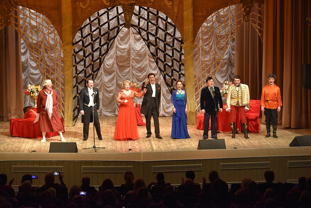 Концерт артистов Московского театра оперетты прошёл на сцене ДК «Юбилейный»