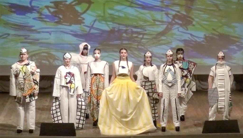 На сцене ДК «Юбилейный» школьный Театр моды «Нюанс» провел юбилейный концерт