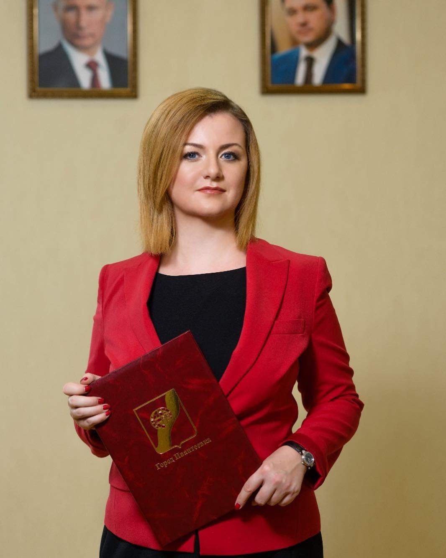 Поздравление главы города Ивантеевки Е.В. Ковалёвой с Днём знаний