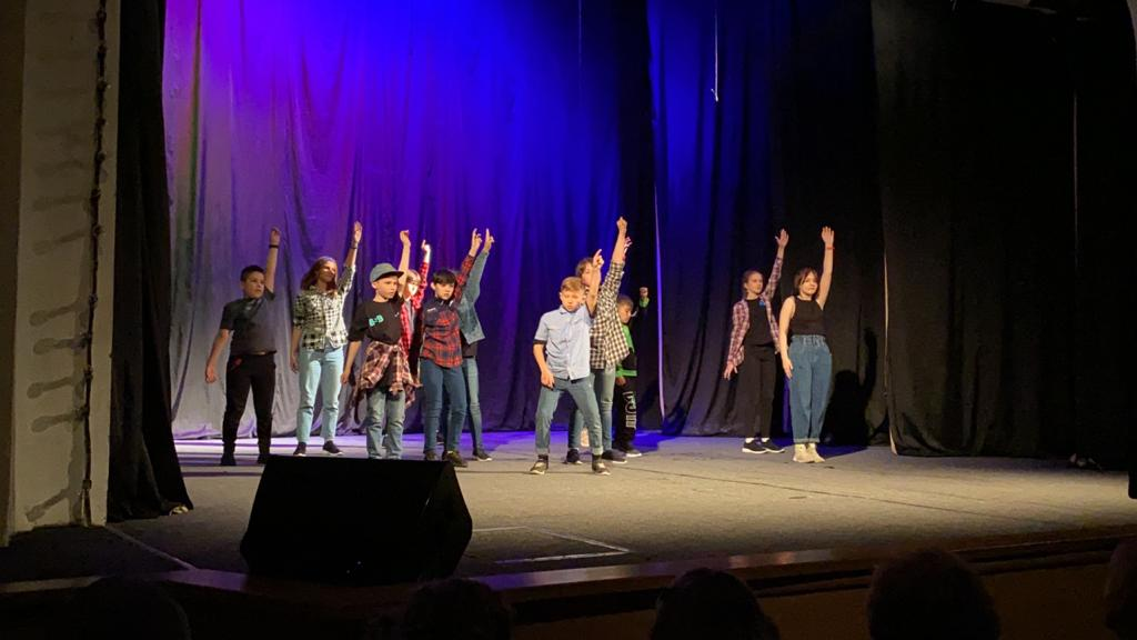 Отчетный концерт школы уличного танца «Синий квадрат»